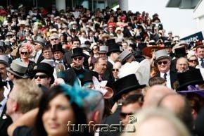Symboldbild Royal-Crowd. © turfstock.com/Balogh