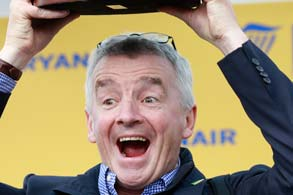 15.03.2018 - Cheltenham; Winners presentation with a overjoyed Michael O'Leary (CEO of the Irish airline Ryanair and racehorse owner) after winning the Ryanair Chase (Registered As The Festival Trophy Steeple Chase) Grade 1 with Balko Des Flos at Cheltenham-Racecourse/Great Britain. Credit: Lajos-Eric Balogh/turfstock.com
